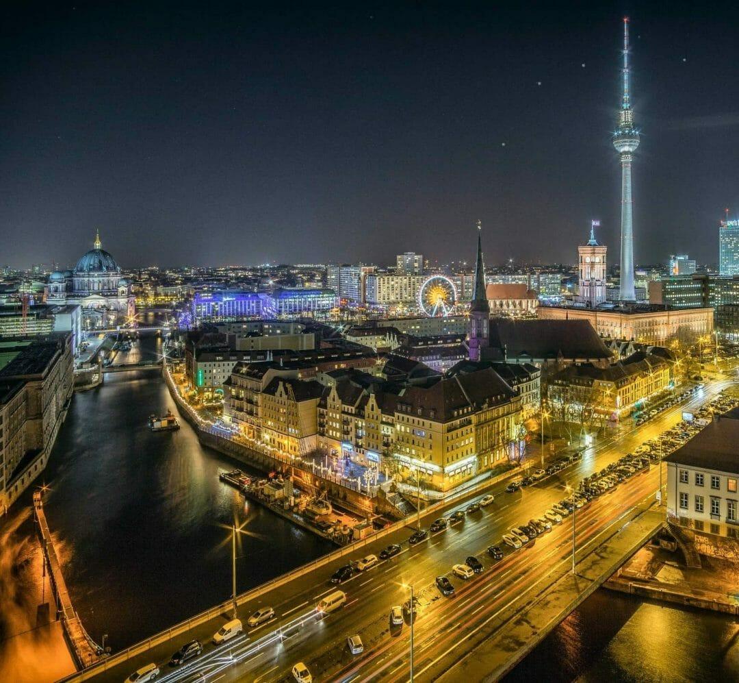 Berufsberatung in Berlin - Berlin Nachtbild